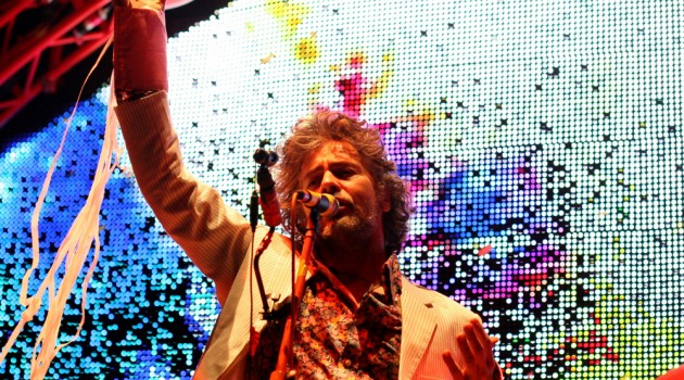 Mira a Flaming Lips en The Late Show con público en burbujas individuales