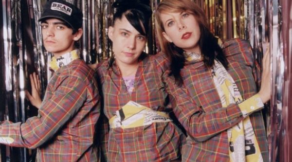 Le Tigre,  electronic pop/ clash/ electro NME 10/2004