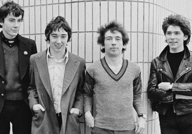 Buzzcocks, Thurston Moore y más tocarán en concierto tributo a Pete Shelley