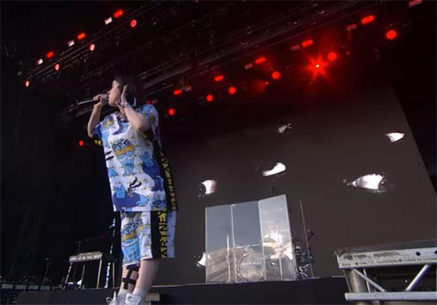 Mira a Billie Eilish cantar Bury a Friend en Glastonbury 2019