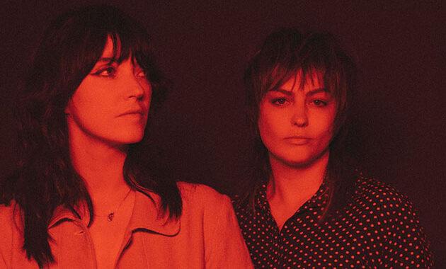 Escucha en vivo lo nuevo de Sharon Van Etten y Angel Olsen